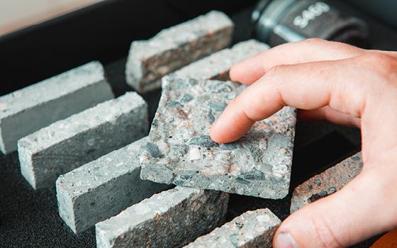 Preparering av ytor före applicering av beläggningar